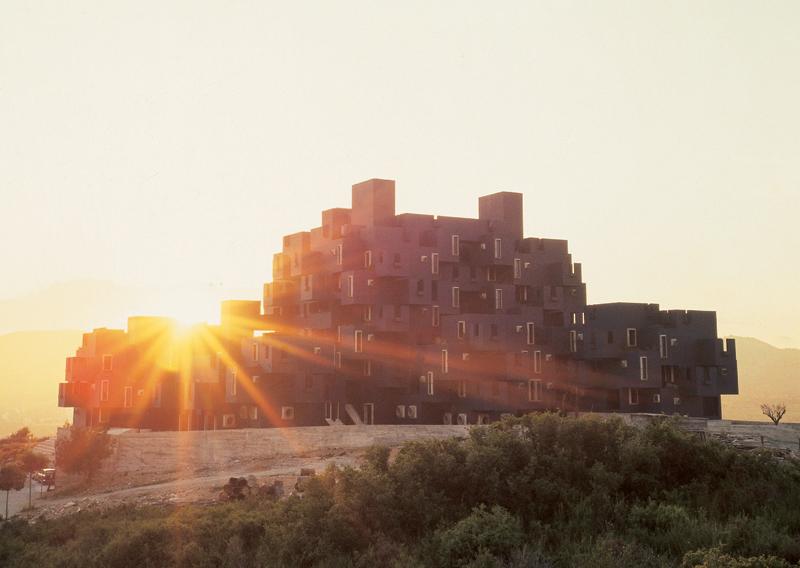 kafka_castle_sitges_barcelona_spain_ricardo_bofill_taller_arquitectura_01-copy