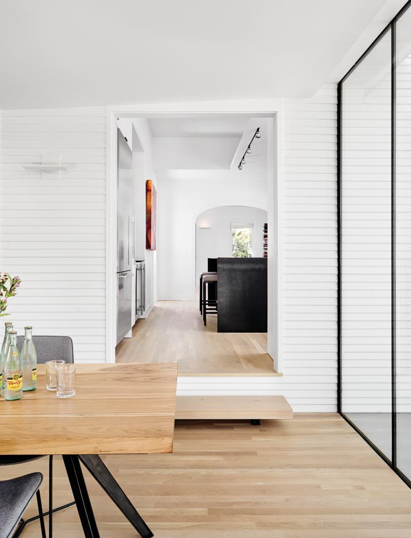 Interior_LookinginKitchen_DiningTable