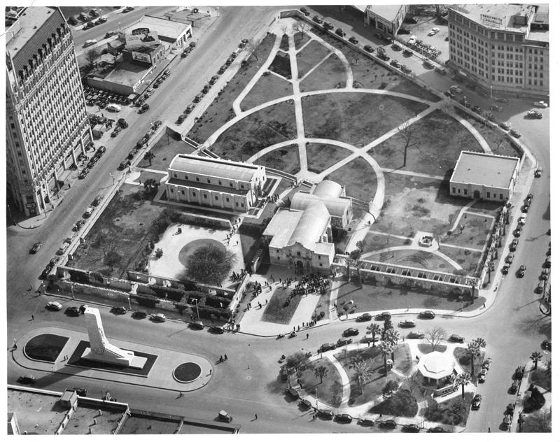 Alamo Plaza, 1940