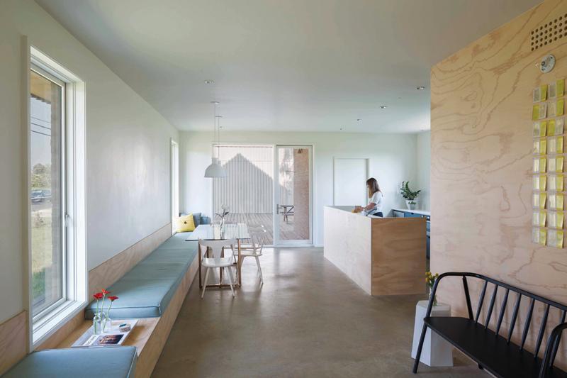 6_Interior_living_room