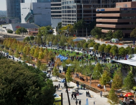Klyde Warren Park Receives 2018 AIA Honor Award for Collaborative Achievement