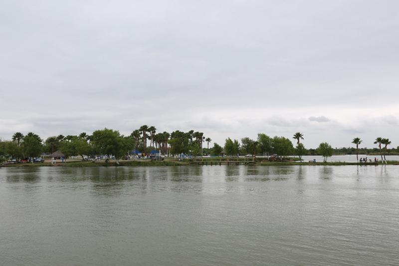 Anzalduas Park_view of Reynosa, Mexico_VGaona
