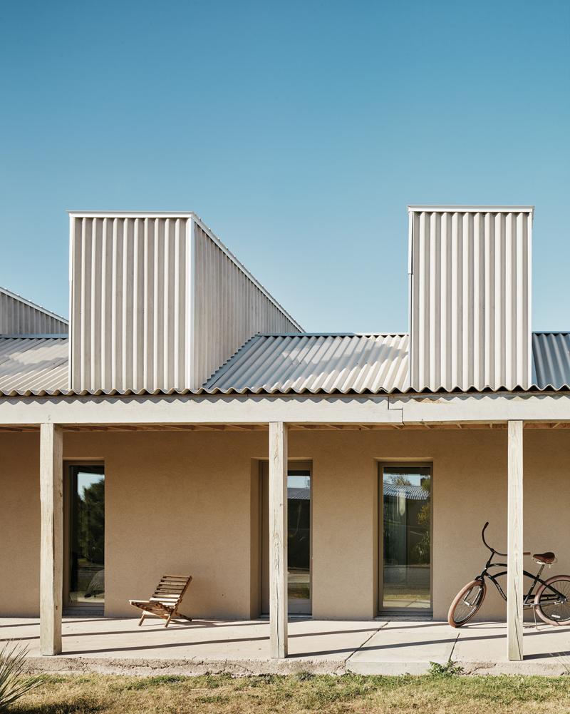 JoyHouse_exterior_porch