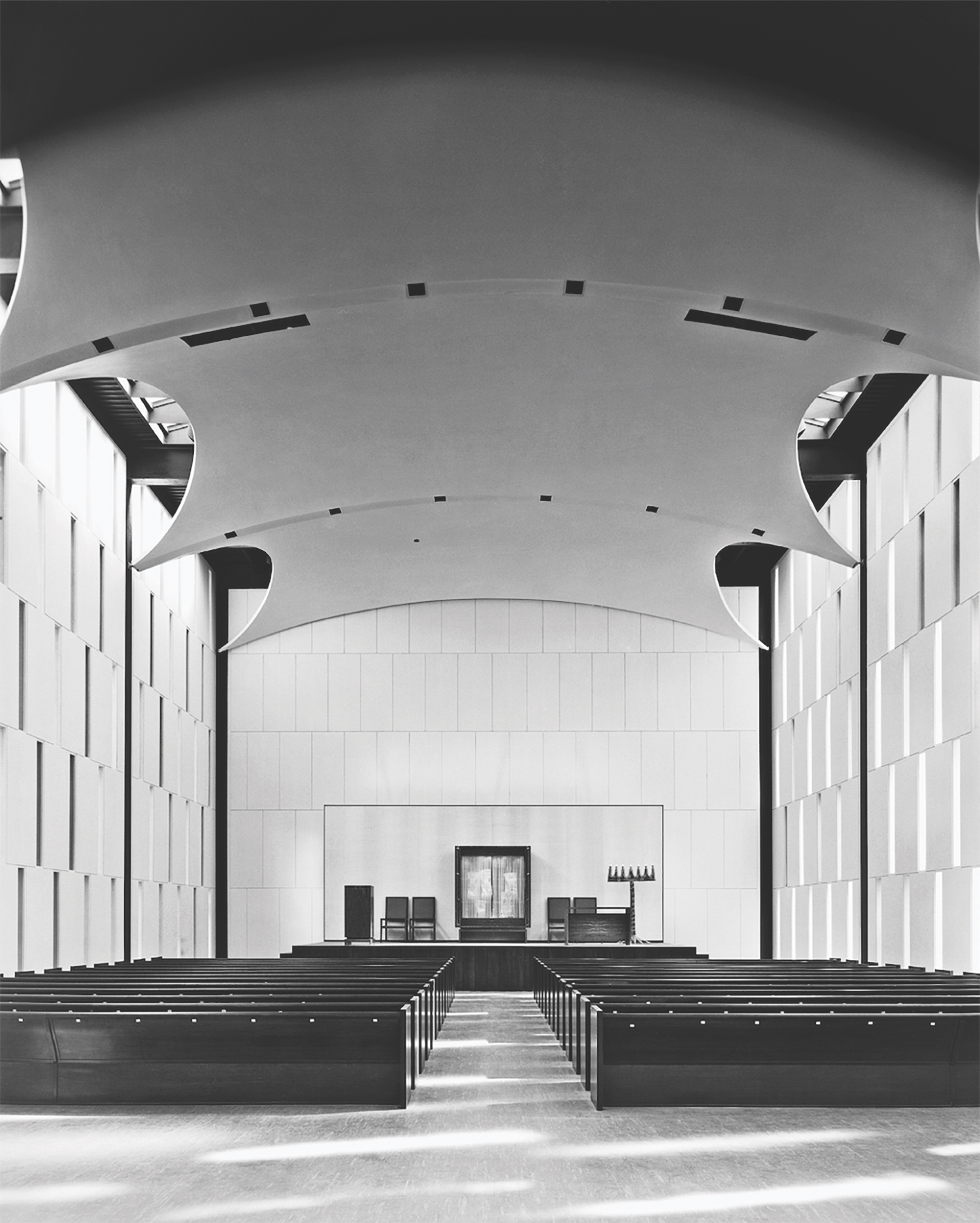 Johnson's atonement Congregations Kneses Tifereth Israel of 1956 (Esto-Ezra Stoller)