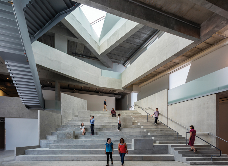 5_Interior view; the forum of the Glassell School of Art; Photograph © Richard Barnes