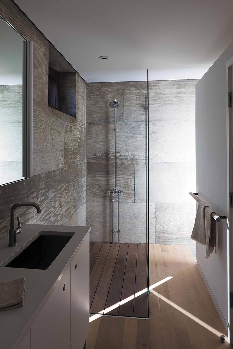 BalconesHouse_Furmansky_guest house bathroom