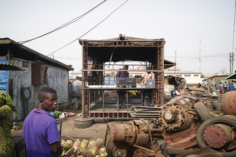 Com_Ghana_Accra_DKOsseaAsere_Agbogloshie__SpaceCraft_20160213