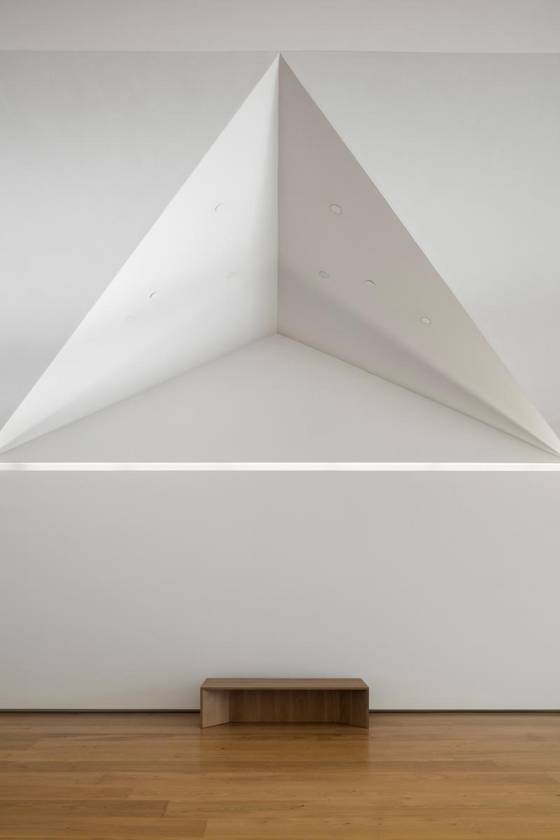 23.MenilDrawingInstitute_Detail_of_Living_Room